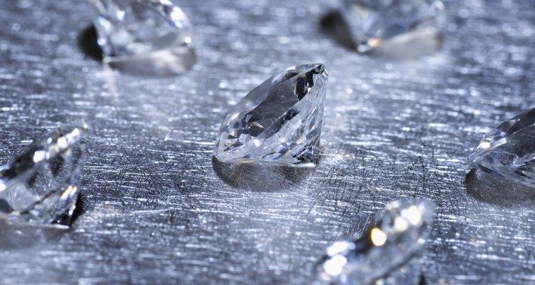 En esta mina, tu y tus niños pueden cribar para gemas y extraer por un poco de oro.