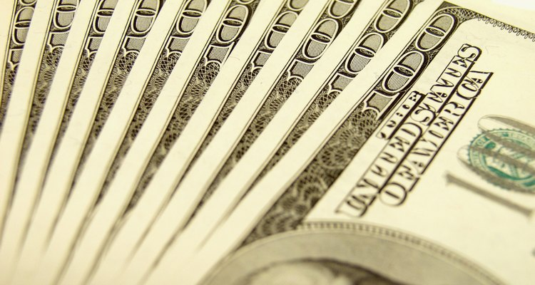 A los ingenieros en servicios al cliente se les compensa normalmente con bonos aparte de su salario.