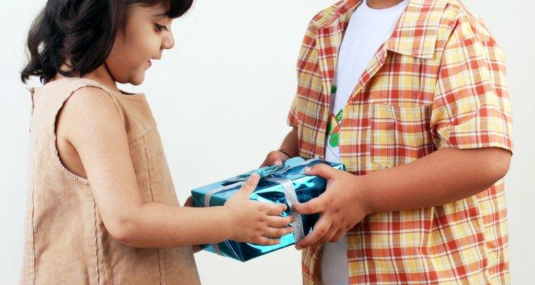 A los niños les encanta estar fuera, así que sal y juega.