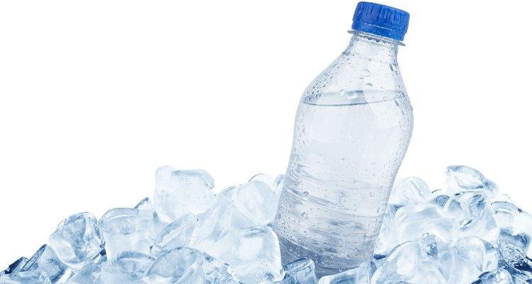 Este gran hielo facilitará que la bebida se mantenga fría.
