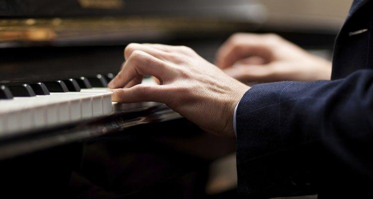 El ébano es la elección tradiconal para las teclas negras del piano.