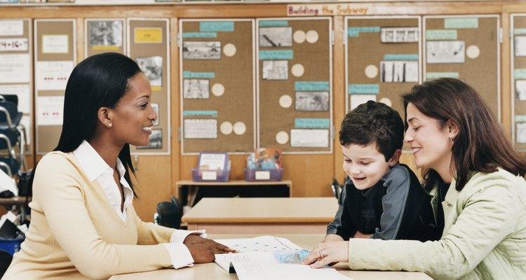 La educación especial ayuda a los estudiantes a cumplir los objetivos individuales de aprendizaje.