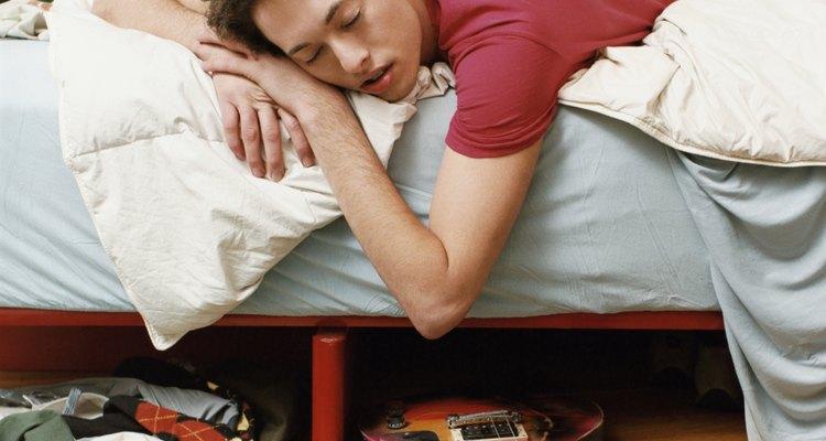 O mau uso pode quebrar as madeiras do estrado de uma cama