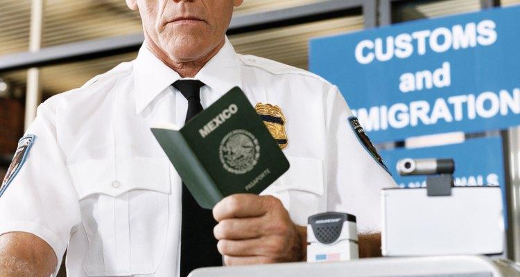 Es necesario reportar a los empleadores que contratan inmigrantes ilegales.