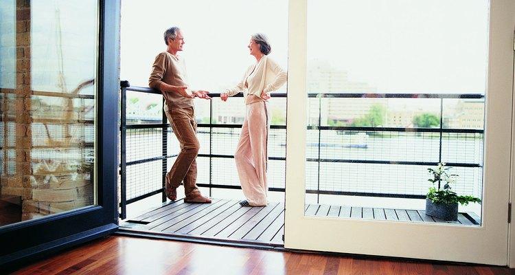 Os pisos laminados dão ao cômodo um visual mais elegante