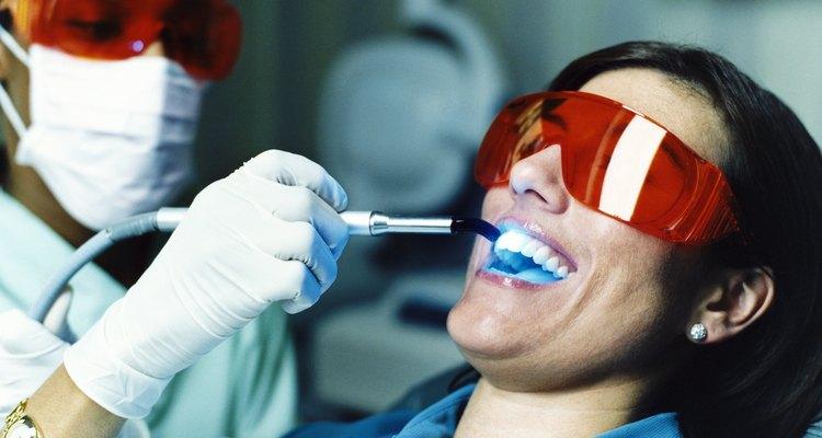 Seu dentista também pode utilizar facetas de porcelana