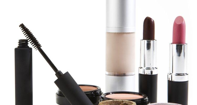 La Oficina de Estadísticas Laborales de EE.UU. predice que la demanda de trabajadores en las industrias de moda y belleza se incrementará hasta en un 38 por ciento del 2008 hasta el 2018.