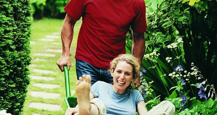 Esfuérzate para jugar un nuevo papel en la vida de tu pareja y sus hijos.