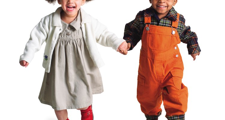 Los niños usan la actividad y el movimiento para aprender más sobre el mundo.