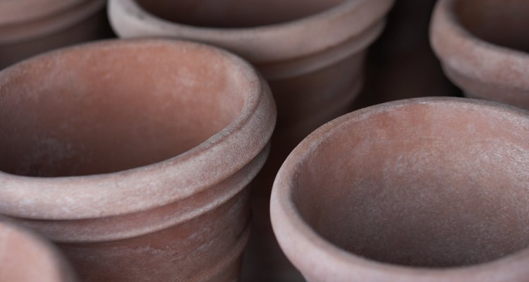 Alguns dos potes de cerâmica mais bonitos não têm furos para drenagem da água