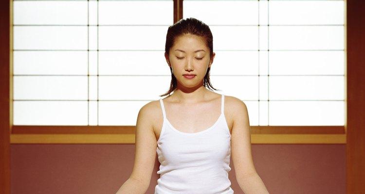 Los tatamis harán que tus sesiones de yoga sean más cómodas.