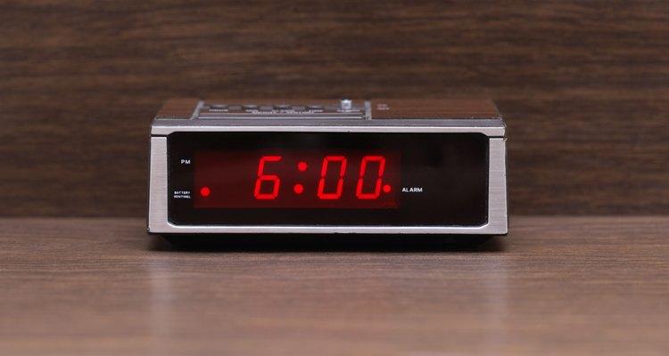 Relógio digital com alarme