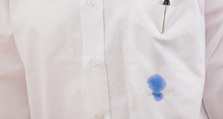 Quita las manchas de tinta de tu ropa aunque estén secas.