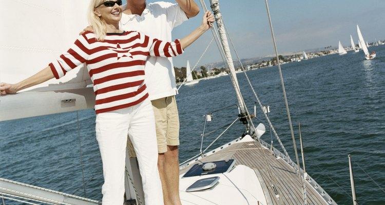 Los pantalones pescadores representan un buen pantalón de estilo casual para mujeres de más de cincuenta.