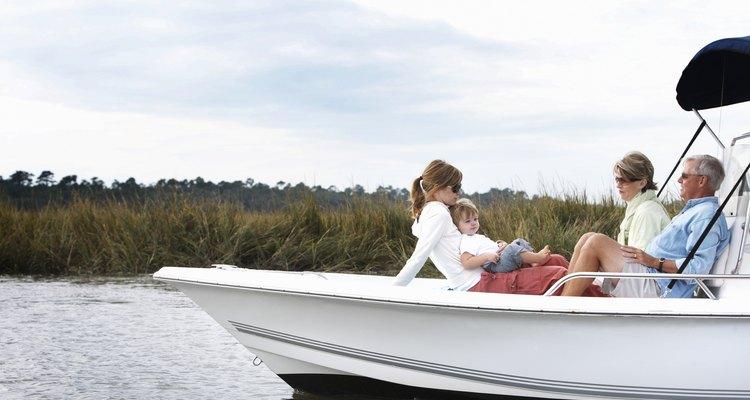 Conheça a capacidade de passageiros do seu barco