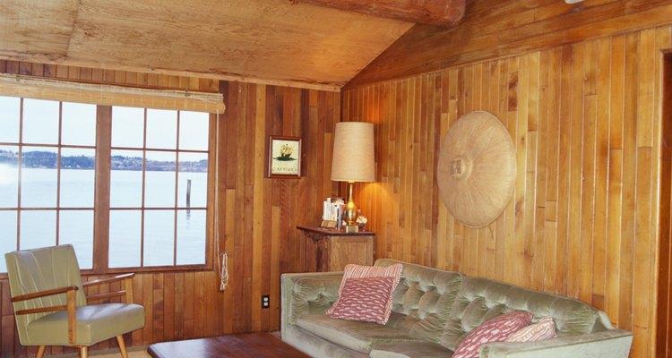 As paredes de madeira exigem uma limpeza frequente