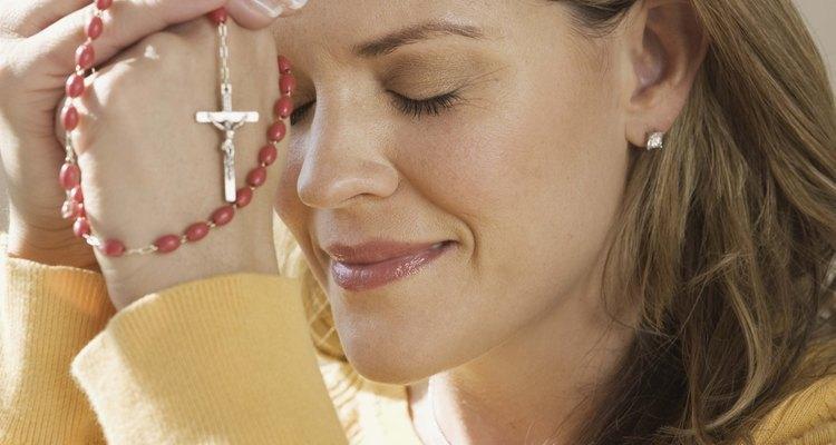 La oración reverente es un medio para la gracia santificante.