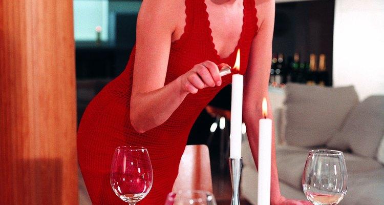 Sorprende a tu ser querido con una cena para dos a la luz de la velas.