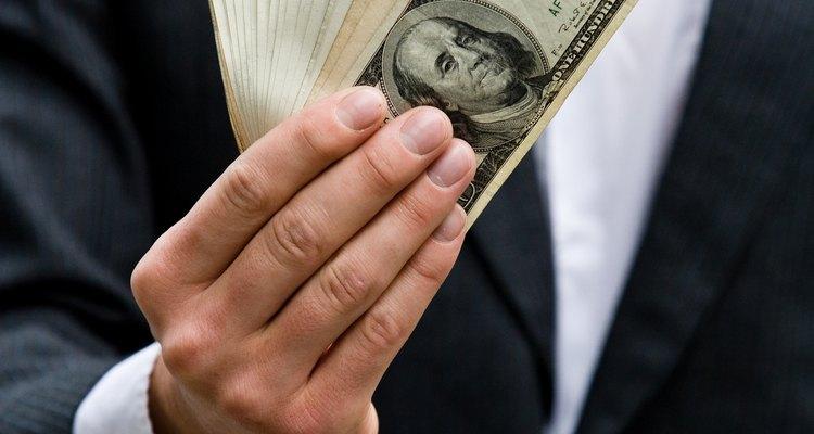 No muchos países fijan sus tipos de cambio, especialmente en el mundo desarrollado.