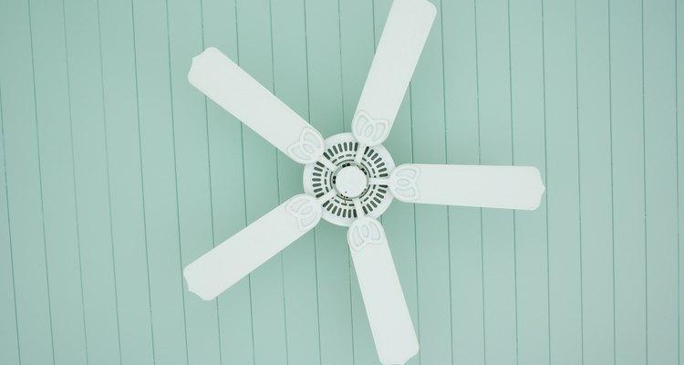 Puedes hacer que tu ventilador eléctrico dure más si simplemente lubricas el motor regularmente.
