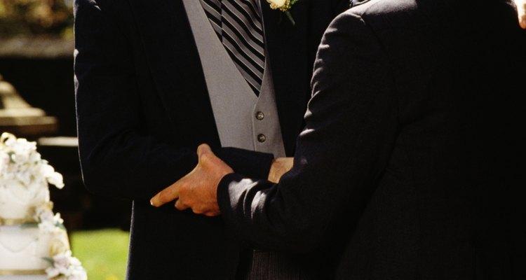 Cómo pedirle al padre de tu novia su mano en matrimonio.