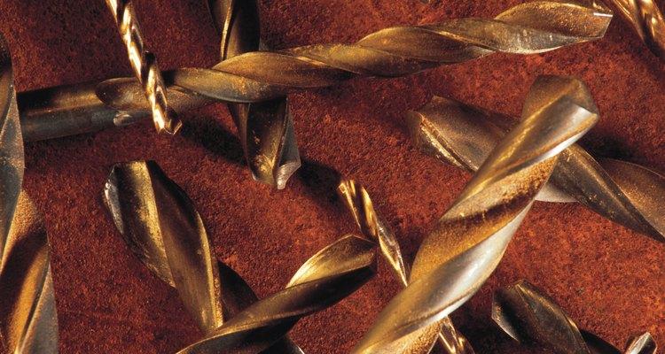 Las brocas de acero de alta velocidad contienen un tipo de acero duro y resistente.