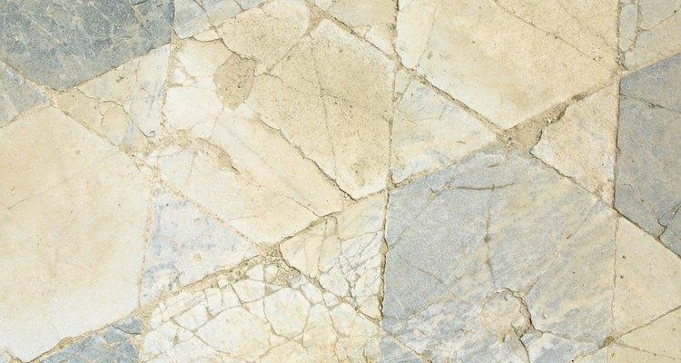 A ardósia pode ser usada como piso em áreas externas ou internas