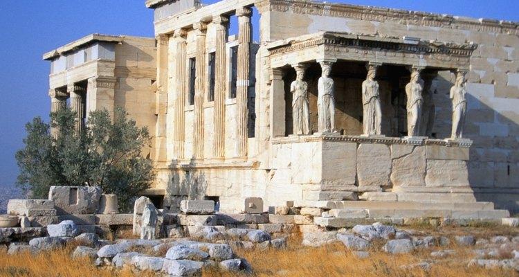 Artistas renascentistas eram inspirados e tentavam imitar a arte e a arquitetura clássica grega e romana