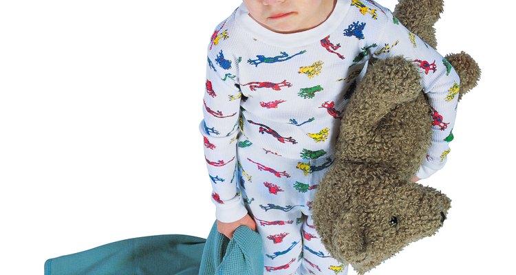 As crianças podem aprender a dormir em suas próprias camas com um pequeno encorajamento