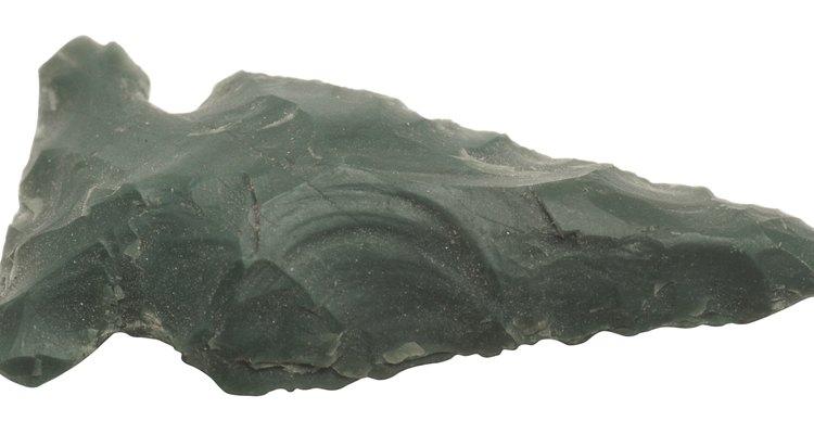 Los indios en el oeste usaban la obsidiana para hacer puntas de lanza afiladas.
