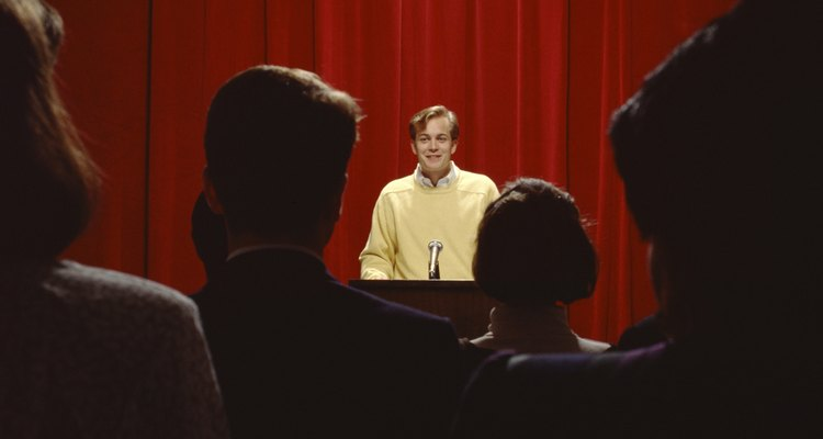 Dirígete a la audiencia de manera conversacional.