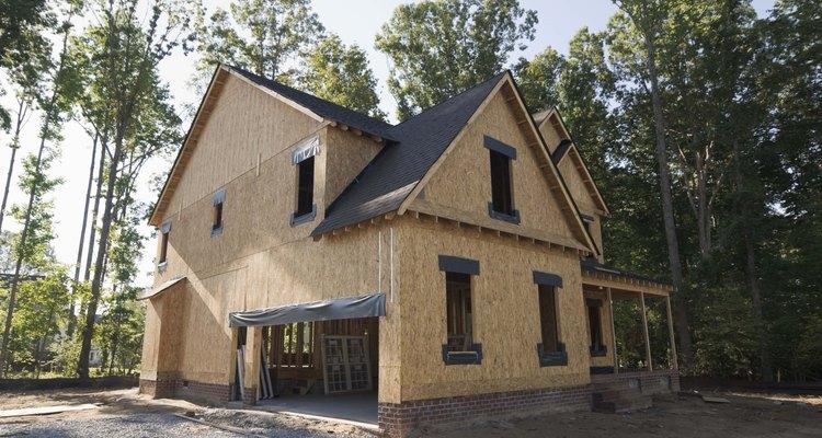 Esta  casa ya tiene la estructuración y ya ha sido cubierta.