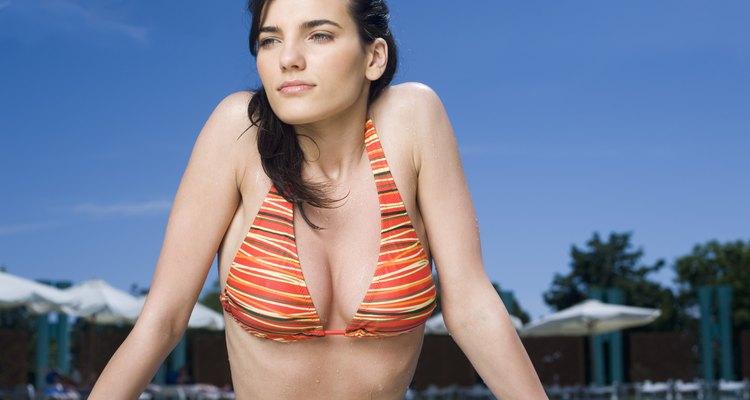 Sal a la piscina o a la playa con el bikini que mejor favorezca tu tipo de cuerpo.