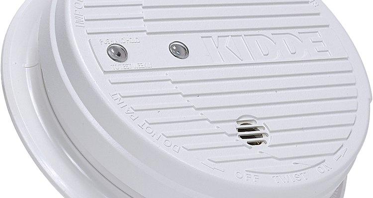 Instala detectores de humo en las mejores ubicaciones siguiendo unos sencillos pasos.