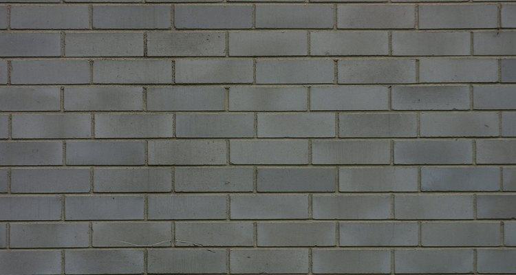 Un muro de retención puede ser una alternativa a una pared de cemento sólido.