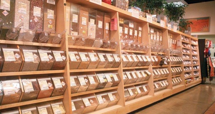En tiendas naturistas normalmente es almacenada junto al arroz y en el pasillo de cereales.