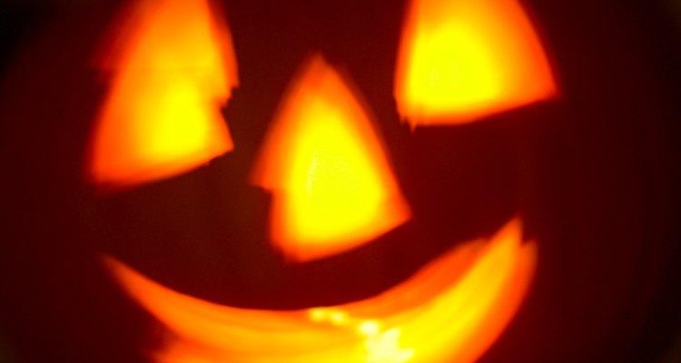 Planea una fiesta de Halloween espectacular para asustar hasta los pelos a tu hijo adolescente.