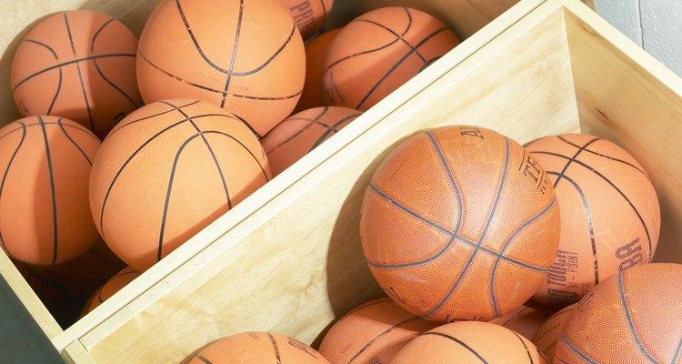Pelotas de baloncesto.