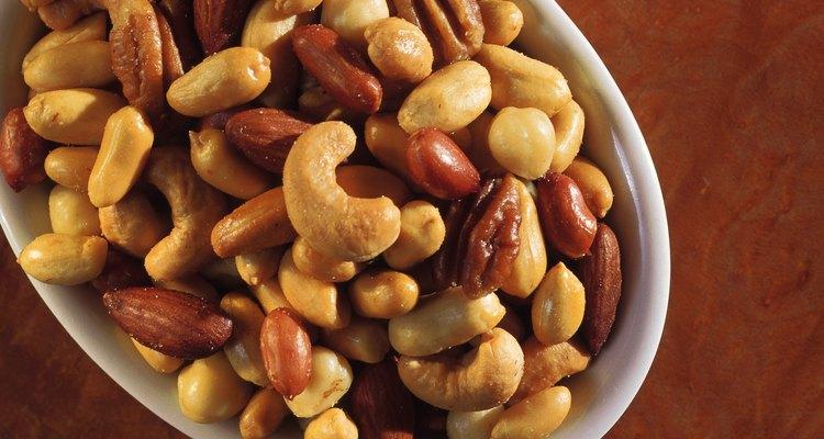 Los frutos secos son una buena fuente de proteínas para los vegetarianos.