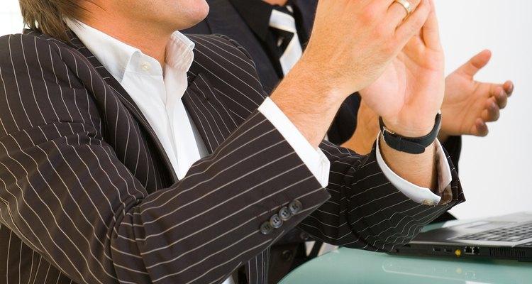 La personalidad determina de qué manera los empleados interactúan en el lugar de trabajo.