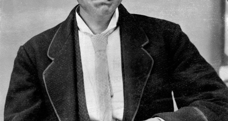 Os estilos de cabelo masculino eram variados na década de 20