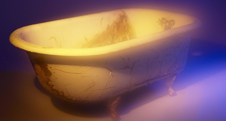Conserva las bañeras antiguas con una nueva capa de pintura.