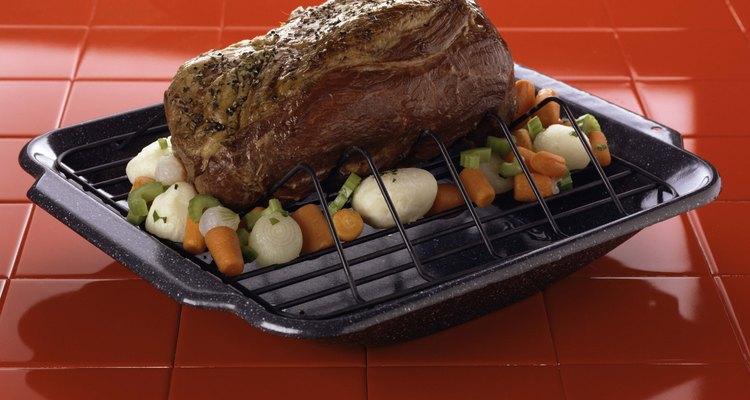 El asado al horno requiere de poco tiempo de preparación. Tendrás una comida muy rendidora en poco tiempo.