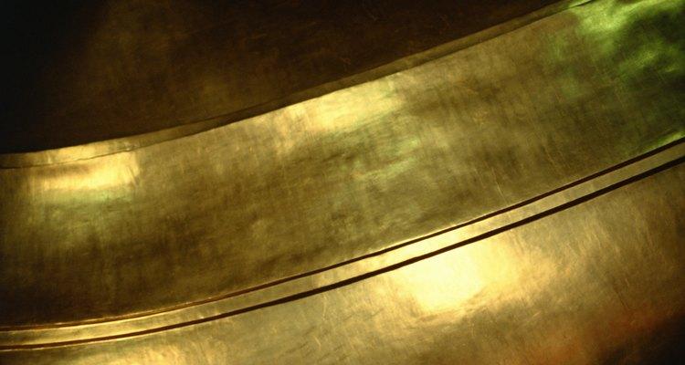 Cómo limpiar una campana de bronce