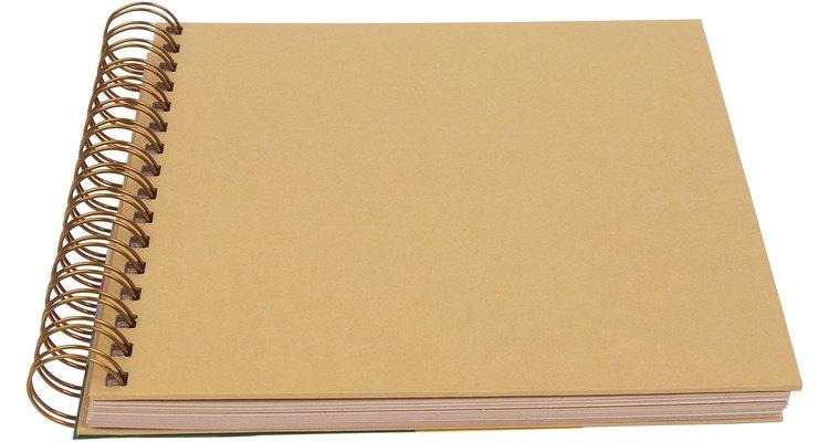 Um caderno de desenhos é uma ótima ferramenta que mantém muitas ideias e esboços de forma organizada e protegida
