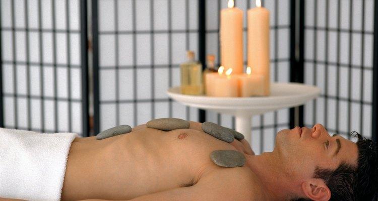 En un spa encontrarás velas, aceites y dinero.