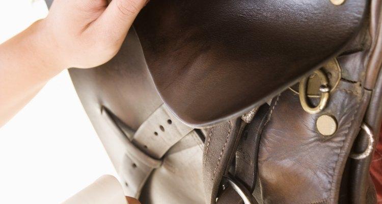Para mantener tus artículos de cuero en óptimo estado, debes acondicionarlos aproximadamente cada tres meses.