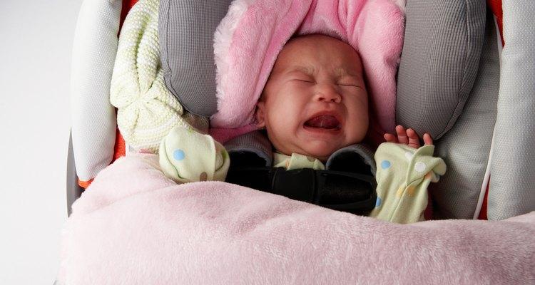 Os travesseiros de suporte das cadeirinhas manterão a cabeça do bebê na posição correta