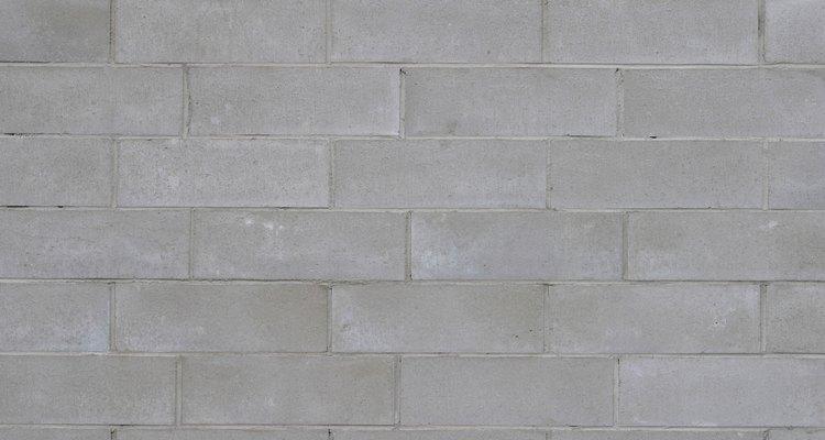Es fácil trabajar con bloques de cemento.