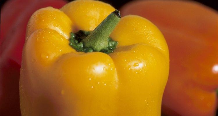 Los pimientos amarillos proporcionan un valor nutritivo ligeramente diferente de los que son de color verde o rojo.